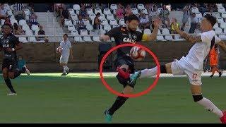 OMG! Rildo do Vasco quebra a perna de João Paulo do Botafogo e leva amarelo