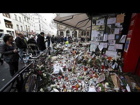 #JeSuisEnTerrasse: Οι Παριζιάνοι ξαναβγαίνουν στους δρόμους