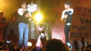 Jason Aldean Pranks Luke Bryan During Country Girl Dallas, TX 10.27.12