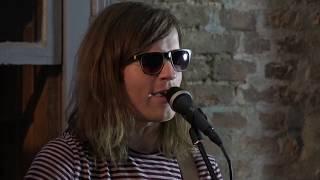 Video Vaneboneva (živě s kapelou)