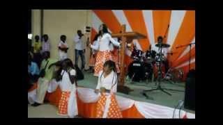 Zuster ATHALIA Live :♪ Jezus Meke Mi E Libi Fu Hem Ede ♪