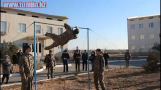 Мастер класс на турнике бойцов ВПО Актау  Воинская часть 51809
