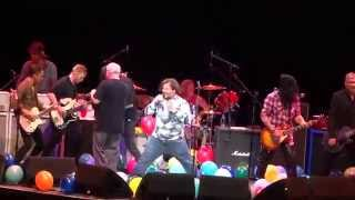 Gambar cover Foo Fighters ~ Immigrant Song ~ with Tenacious D & Slash ~ Forum ~ 1./10/15