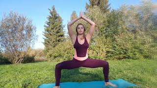 Йога в парке с Валей Головиной