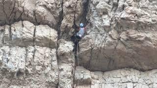 preview picture of video 'Climbing Ramazan route, Esfahan, Iran (مسیر صخره نوردی رمضان، دیواره گل زرد اصفهان)'
