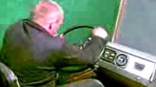 Инструктор по вождению жжет.3gp