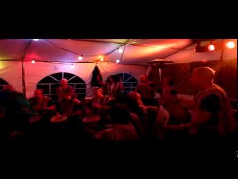 Nummer 5 van optreden Asawali op feest in Gennep