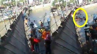 Video Jembatan Gantung di Pati Terputus saat Sedekah Laut, Bayi Lima Bulan Turut Tercebur ke Sungai