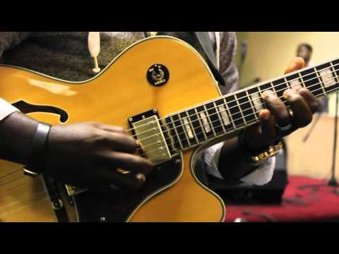 John Karonwi Instrument of Praise 2014 ft. Agboola Shad÷are