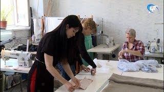 Председатель областной думы побывала в мастерской Елены Агафонцевой