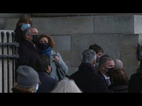 Obsèques de Marielle de Sarnez: Bayrou, Hidalgo, Philippe à la sortie de l'église | AFP Images Obsèques de Marielle de Sarnez: Bayrou, Hidalgo, Philippe à la sortie de l'église | AFP Images