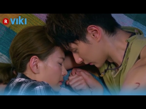 Prince of Wolf - EP1 | First Embrace - Derek Chang & Amber An [Eng Sub]