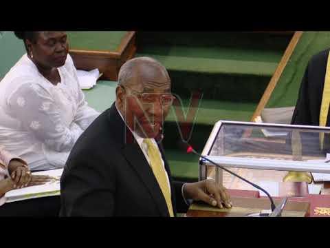 EBISOMESEBWA EBIPYA: Palamenti ekkiriziganyizza ne mukyala Museveni