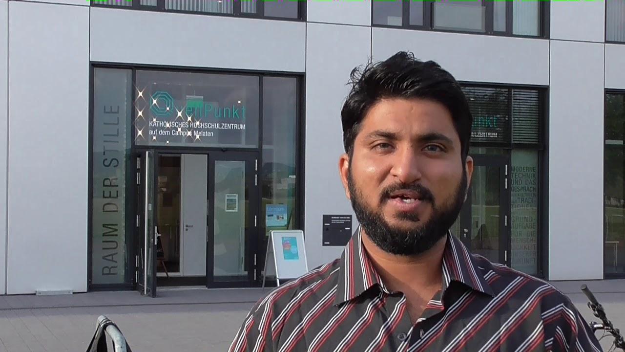 Ali Vora zu seiner Ausstellung Wall-A