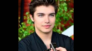 Anton Ewald - Close Up
