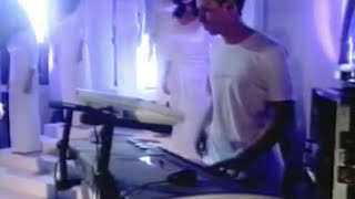 Chicane - Saltwater (Original Mix) 'live' on Top of the Pops 1999