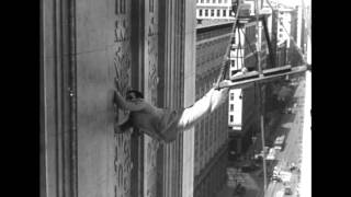 Harold Lloyd in feet first (1930) - The climbing scene 2
