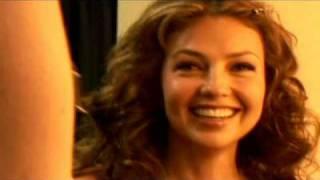 Thalia  - Cuando Te Beso . 2011