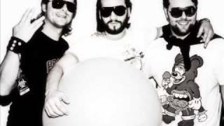Swedish House Mafia -  Reach Out