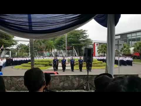 Atraksi anggota security SIGAP
