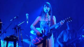 """Feist - """"Lover's Spit"""" (Broken Social Scene song) live @ Cine Joia, São Paulo, Brasil (HD)"""