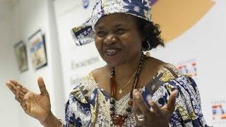 Harambee premia la camerunesa Tallah per la seva labor a favor de la dona
