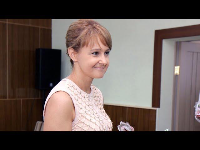 Ольга Бабенко поздравила лучших выпускников района