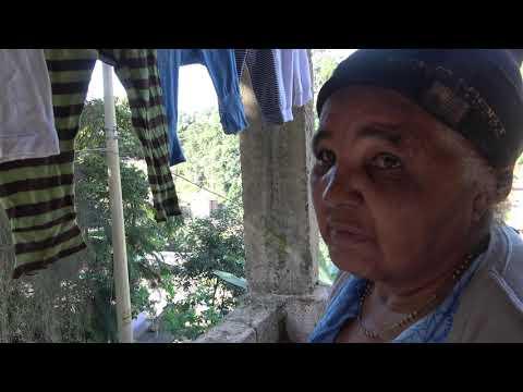 Dona Frausia da Favela do Justinos Morro do Kiabo agradece o Trampo do Prefeito Ayres Scorsatto na Rua Narcisa de Moraes