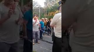 Ex militares inician bloqueos en las rutas del país