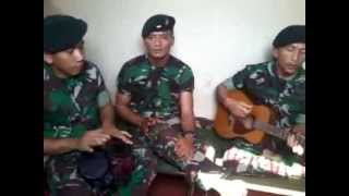 "Video thumbnail of ""lagu TUNAIKAN TUGASMU (suara hati kekasih prajurit ) cipta kopda puji yonif 400/R"""