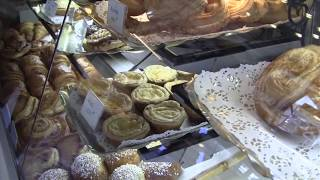 The Local Way Paris—Baguettes & Boulangeries (by The Local Way)