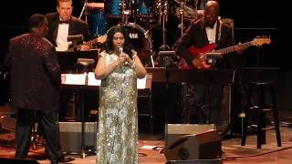 Aretha Franklin - Freeway of Love (Aug 10, 2015, Oakland Coliseum - RIP)