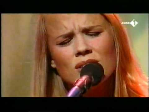 Ilse DeLange - I still cry live.mp4