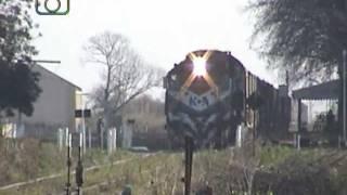 preview picture of video 'Tren granero de NCA saliendo de Sa  Pereyra'
