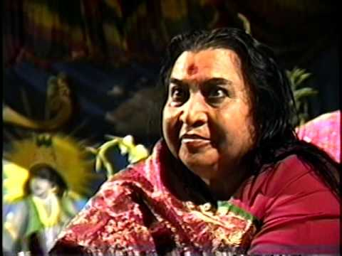 Shri Mataji Playing with Dandiya Sticks 1990 0819 Shri Krishna Puja, Ipswich, UK letöltés