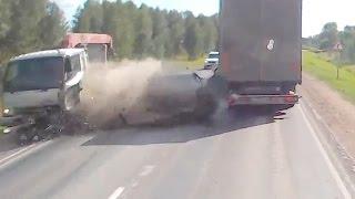 Жесткие аварии грузовиков с автомобилями