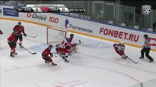 Бобков в падении отражает бросок Окулова