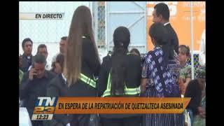 Familiares esperan el cuerpo de Claudia Gómez
