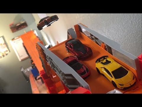 HOT WHEELS SUPER CAR SUPER BRIDGE JUMP SUPER CRASH RACE   JonRacer3