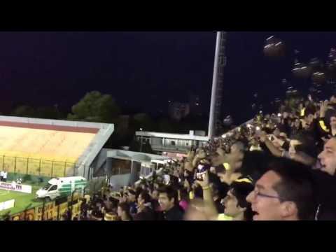 """""""Peñarol hinchada vs juventud"""" Barra: Barra Amsterdam • Club: Peñarol"""