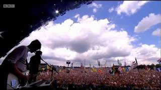 THE 1975 - MONEY- LIVE // Glastonbury 2014