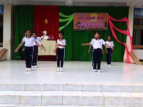 THCS Nguyễn Khuyến -  Dân vũ chú ếch con (Năm học 2015-2016)