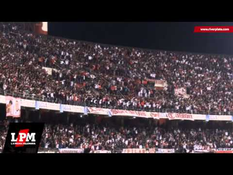 """""""Llega el domingo voy a ver al campeón - River vs. San Lorenzo - Copa Sudamericana 2013"""" Barra: Los Borrachos del Tablón • Club: River Plate"""