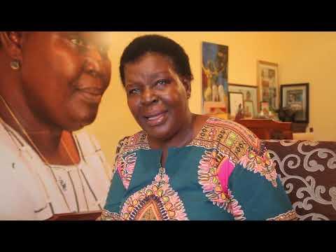 """""""As mulheres de Beira estão lutando com toda a sua garra e precisam de ajuda"""", diz Paulinia Chiziane."""