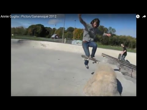Les Skirtboarders - Annie Guglia à Picton/Gananoque 2012