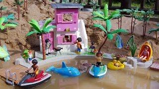 Playmobil City Life Beach House Building Playset and Sea Animals Toys