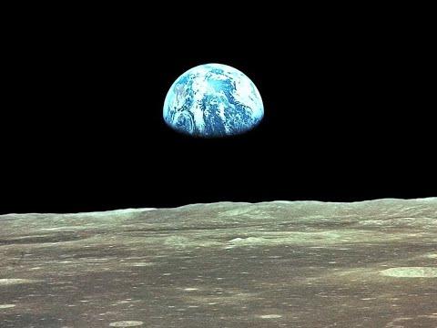 Kdo vlastní Měsíc?