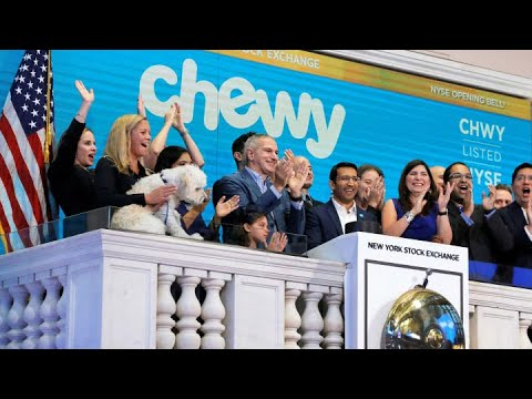 Chewy posts revenue beat, better-than-expected revenue guidance