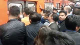 preview picture of video 'Mexico City metro (subway)'