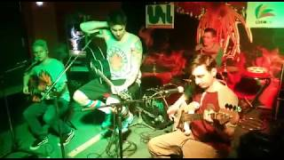 Video HOT PANTS - Cigarety & Alkohol live acoustic